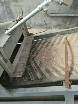 颗粒机生产线中输送过程除杂吸铁装置